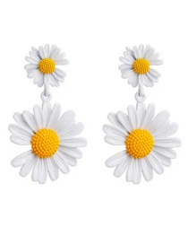 Fashion White Sunflower Flower Contrast Notched Earrings