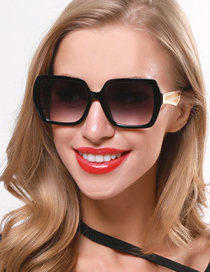 Fashion Black Square Metal Hollow Gradient Sunglasses