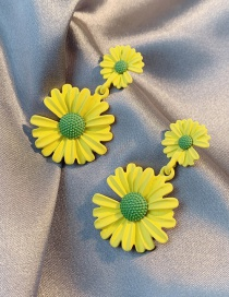 Fashion Yellow Daisy Alloy Contrast Color Earrings