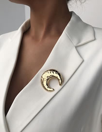 Fashion Golden Alloy Moon Plating Brooch
