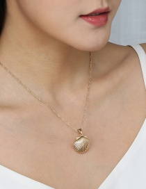 Fashion Golden Shell Alloy Pendant Necklace