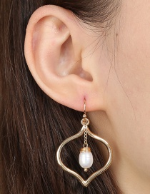Fashion Golden Gold Copper Wire Wound Natural Pearl Love Alloy Earrings