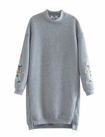 Fashion Gray Long Sweater With Embroidery And Velvet Slit
