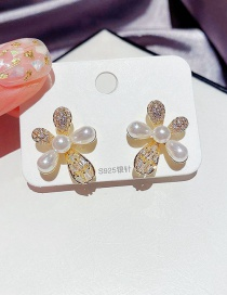 Fashion Golden Micro-set Zircon Drop Pearl Flower Earrings With Real Gold Plating