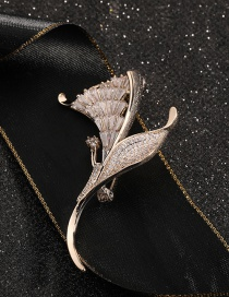 Fashion Flowers Gold-plated Copper Brooch With Diamonds And Flowers