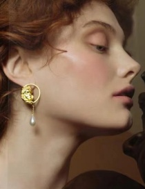 Fashion Golden Oil Painting Frosted Portrait Drop Pearl Earrings