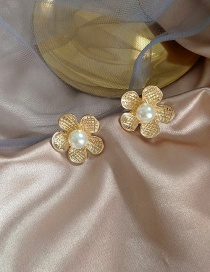 Fashion Golden Pearl Flower Alloy Earrings