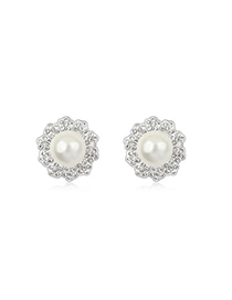 Mechanic White Elegant Flower Shape Design Pearl Crystal Earrings