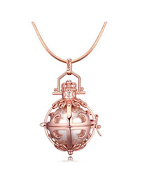 Sequined Rose Gold Pearl Decorated Hollow Out Design Pearl Crystal Necklaces