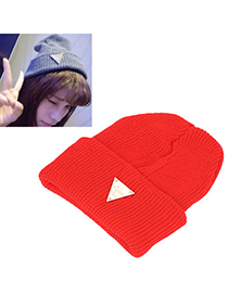 Named red metal triangle shape decorated hedging design wool Knitting Wool Hats