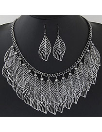 Trendy Gun Black Hollow Out Leaf Pendant Decorated Short Chain Design