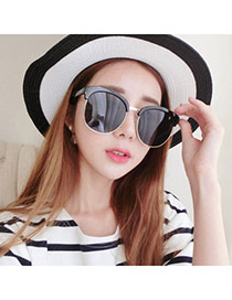 Temperamental Black Half Frame Simpledesign Plastic Women Sunglasses