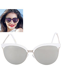 Trendy Silver Color Cat Eye Shape Frame Decorated Simple Design