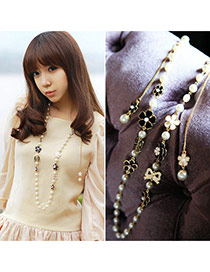 Sweet White Flower Decorated Multilayer Design Pearl Bib Necklaces