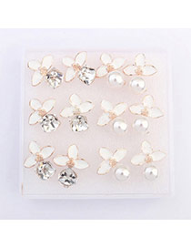 Exquisite White Flower Decorated Simple Design  Alloy Stud Earrings