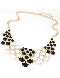 Elegant Black+white Geometric Shape Design Hollow Out Short Chain Necklace