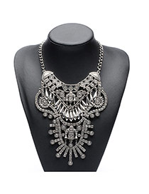 Exaggerate Silver Color Geometric Shape Diamond Decorated Simple Short chain Necklace