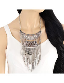 Vintage Silver Color Leaf Tassel Pendant Decorated Short Chain Necklace