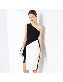 Sexy Black One-shoulder Design Color Matching Package Hip Dress