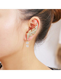 Delicate Gold Color Diamond Decorated Leaf Shape Simple Earrings