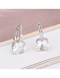 Exquisite White Square Diamond Decorated Simple Earring