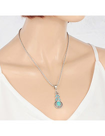 Vingtage Silver Color Calabash Shape Pendant Decorated Short Chain Necklace