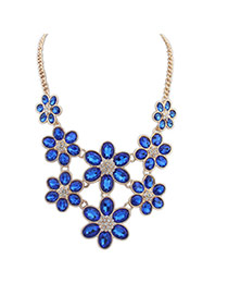 Lovely Blue Flower Shape Decorated Short Chain Necklace