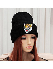 Elegant Black Tigger Pattern Decorated Pure Color Cap