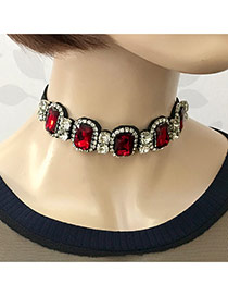 Vintage Red Square Shape Diamond Decorated Simple Choker