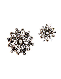 Fashion Milky Pearls Decorated Hollow Out Flower Design Simple Brooch(2pcs)