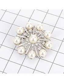 Luxury Silver Color Pearl Decorated Hollow Out Round Shape Brooch