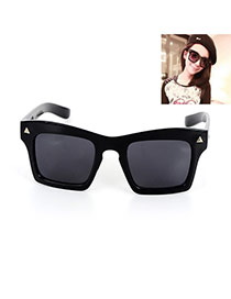 Fashion Black Triangle Decorated Simple Square Shape Design Sunglasses