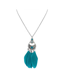 Fashion Green Feather Pendant Decorated Hollow Out Round Shape Simple Necklace