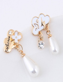 Sweet White Flower Decorated Color Matching Asymmetric Earrings