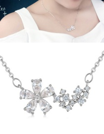 Fashion Silver Color Flower Shape Pendant Decorated Necklace