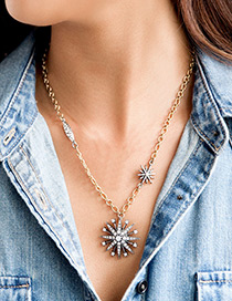 Elegant Gold Color Metal Star Shape Pendant Decorated Simple Short Chain Necklace