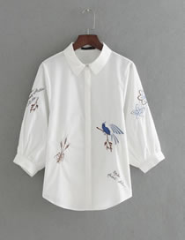 Fashion White Embroidery Flower Decorated Three-quarter Sleeves Shirt