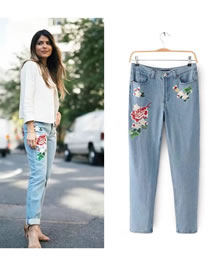 Fashion Blue Embroidery Flower Decorated Simple Jeans Pant